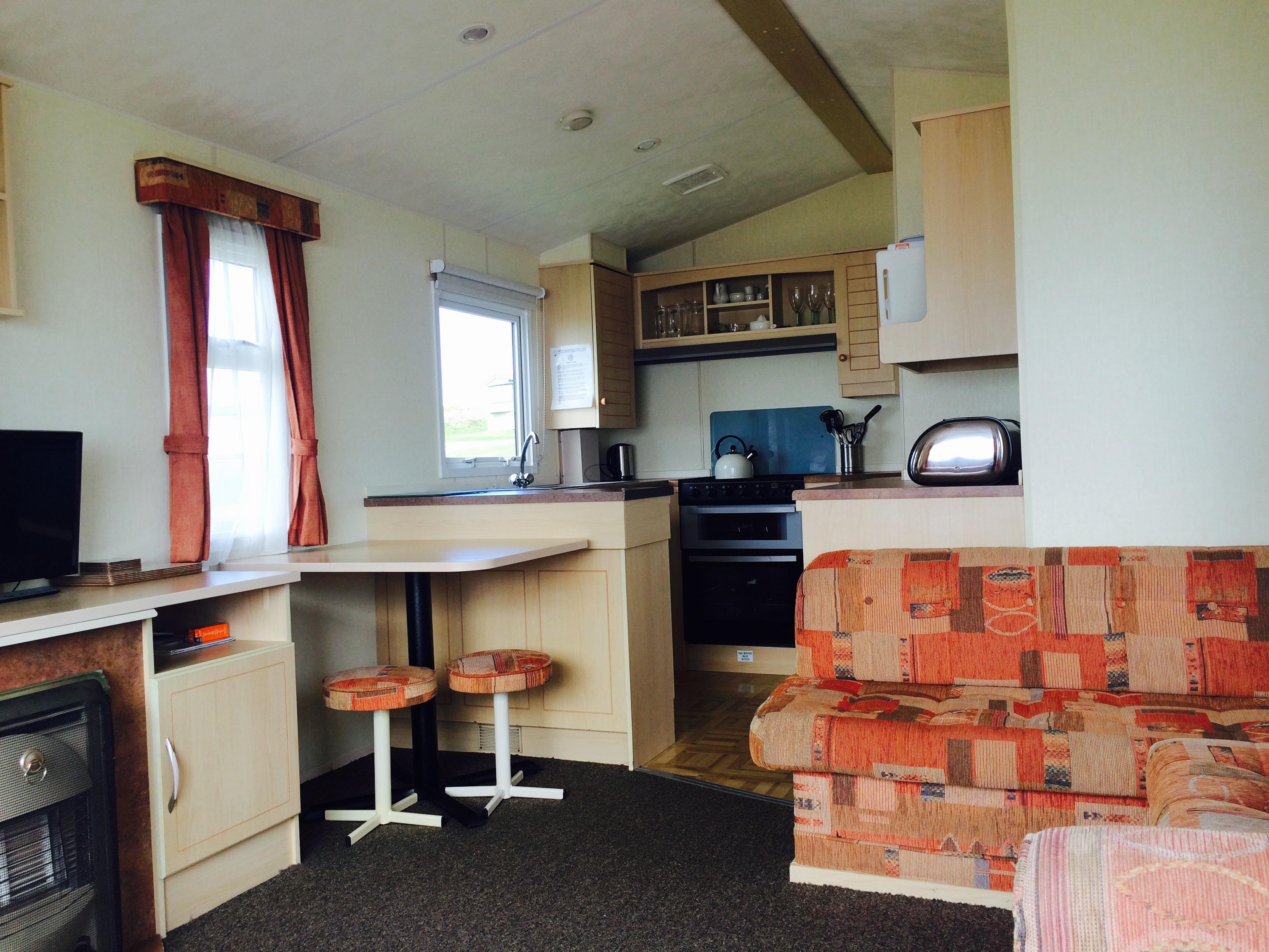CV 18 Dining room