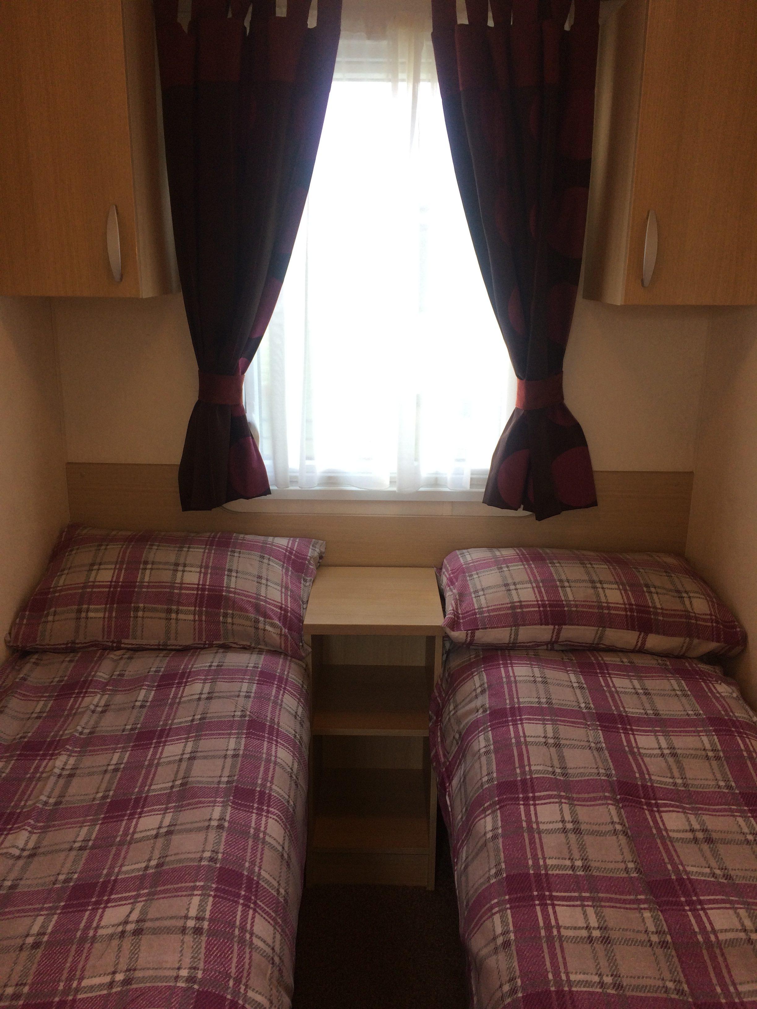 CV 22 twin bedroom
